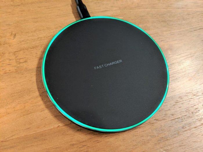 【 IMDENワイヤレス充電パッド レビュー&口コミ】QC3.0対応で最大10Wの急速充電も可能【Amazon1000円台】