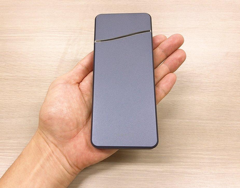 【cheero Stream 10000mAh レビュー】USB-A/Cで3ポート同時充電可能なモバイルバッテリー【おすすめガジェット】