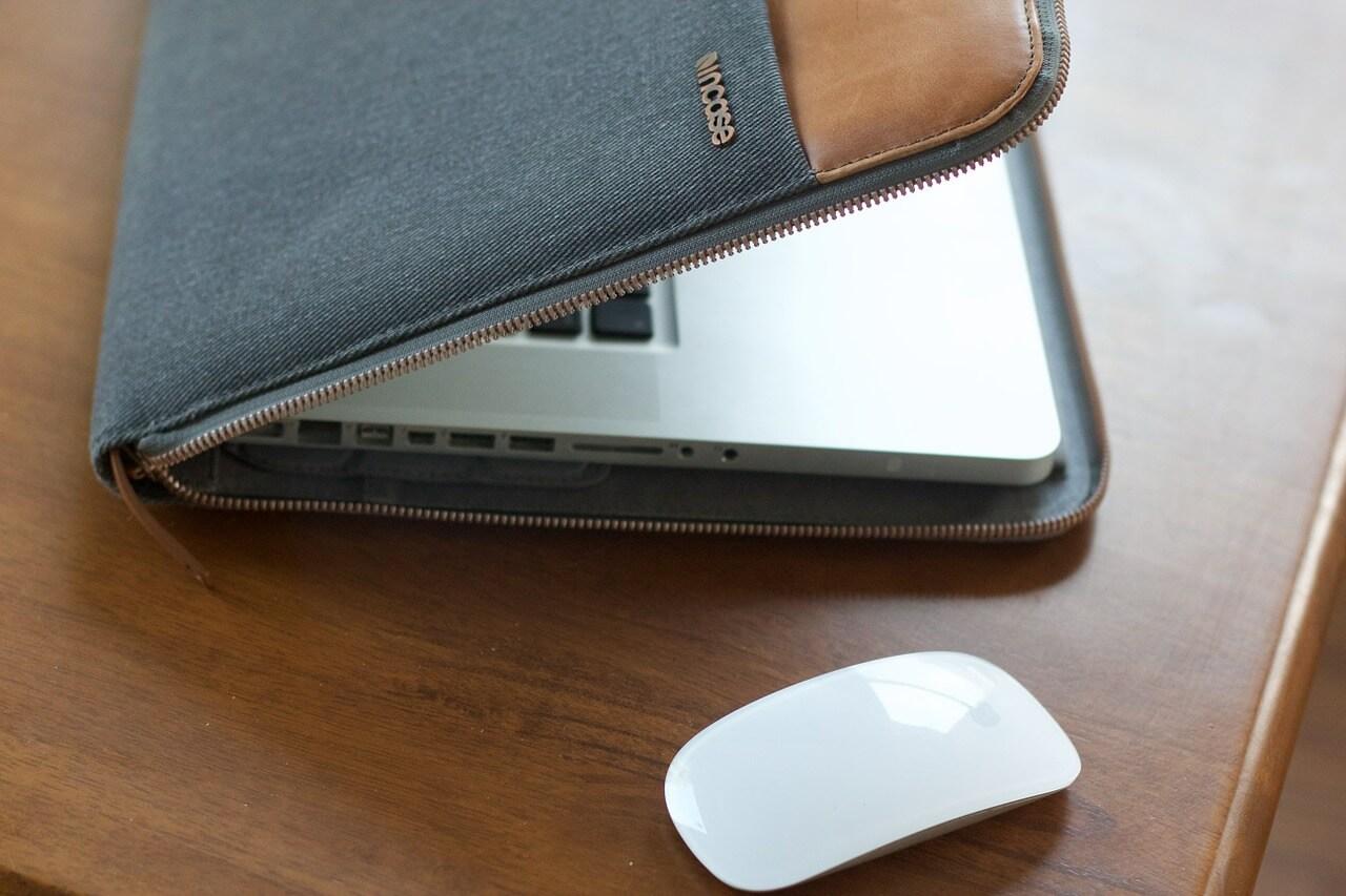 【持ち運びに必須!】Macbook Airのおすすめケース3選!大事なPCを保護しよう!