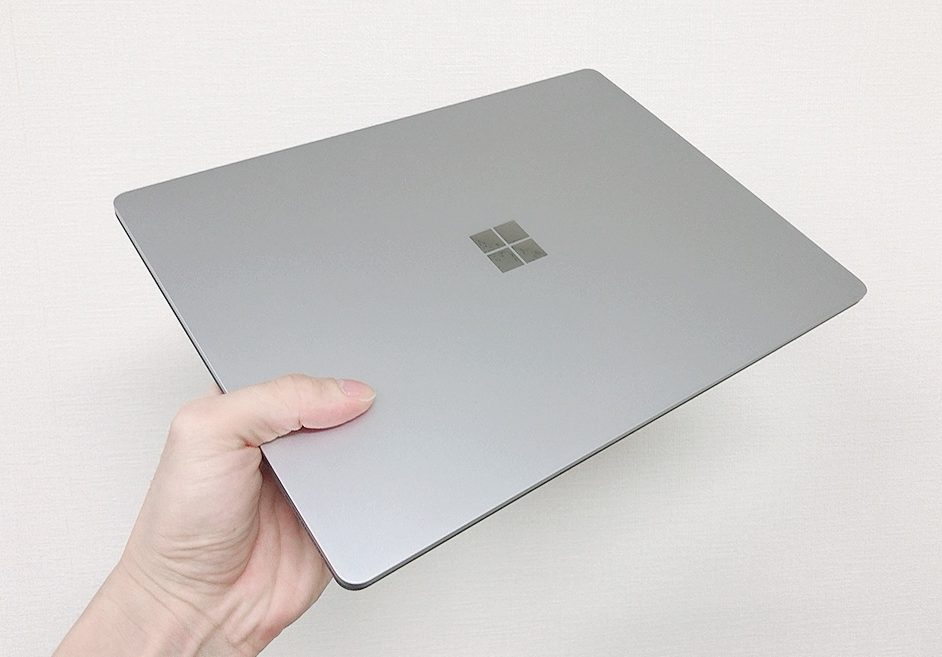 【Surface LapTop3 レビュー】超薄の本体&高精細ディスプレイ搭載【Laptop2からの改善点】